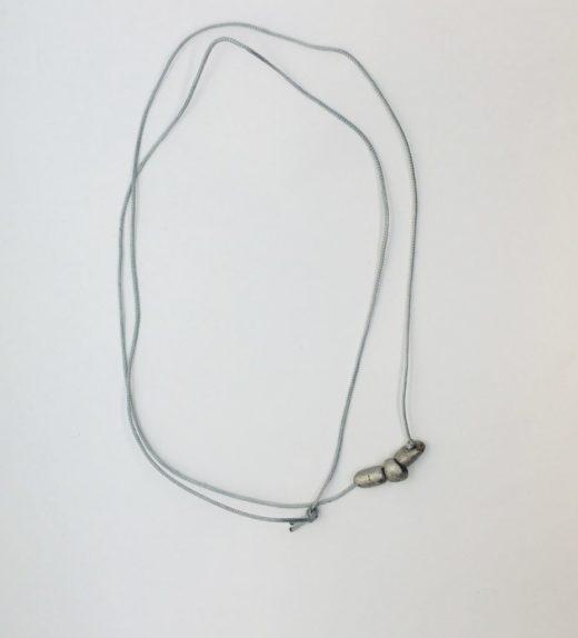 Długi naszyjnik z meteorytów seymchan na sznureczku ze sztucznego jedwabiu, ludzie meteorytów, żywioł metalu, IMG_5401