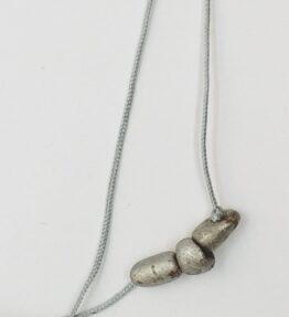 Długi naszyjnik z meteorytów seymchan na sznureczku ze sztucznego jedwabiu, ludzie meteorytów, żywioł metalu, IMG_5402