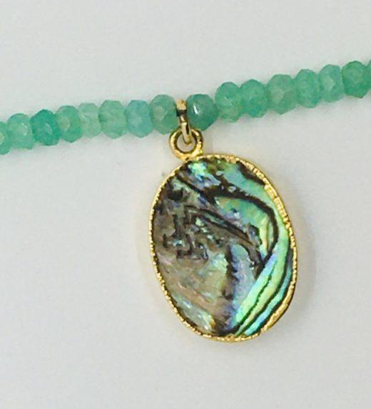 Krótki naszyjnik z chryzoprazów z abalon (muszla), ludzie wysp, żywioł wody, IMG_5393