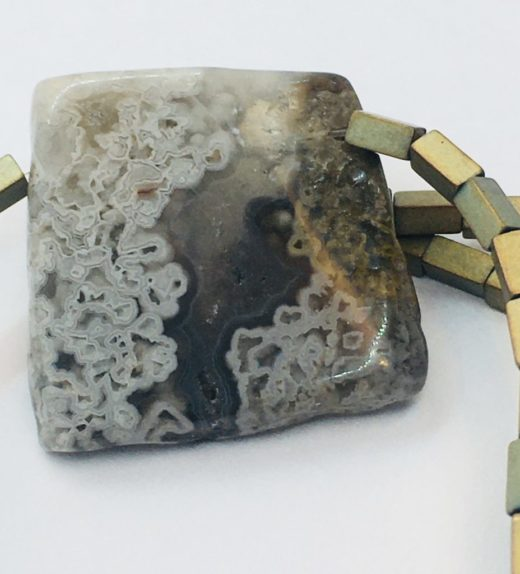 Krótki naszyjnik z hematytów z agatem koronkowym, ludzie miasta, żywioł metalu, IMG_5416
